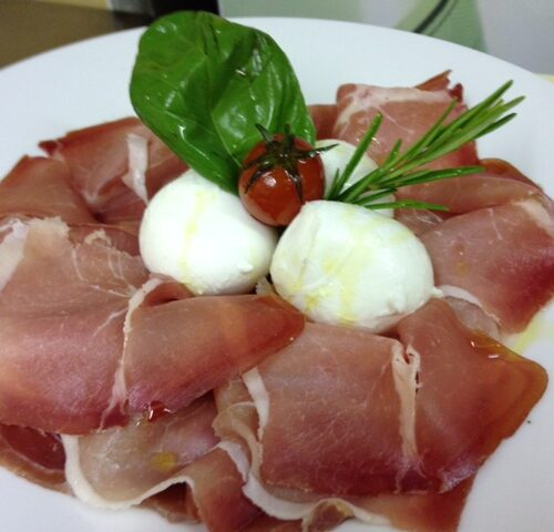 crudo e mozzarella new saint louis